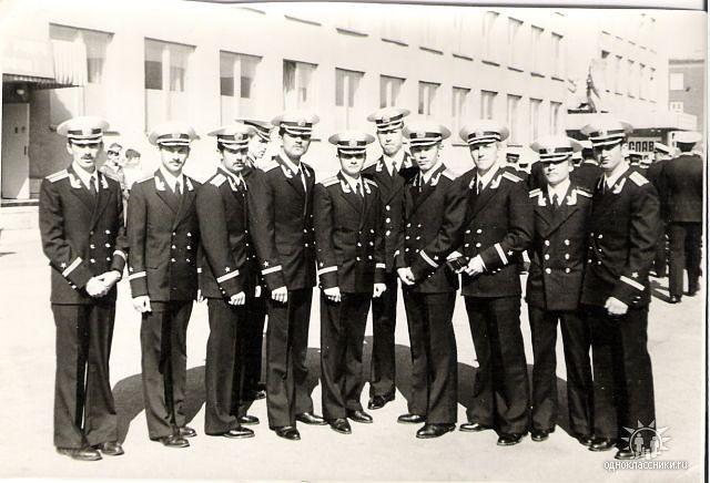 Молодые лейтенанты из 1-го взвода