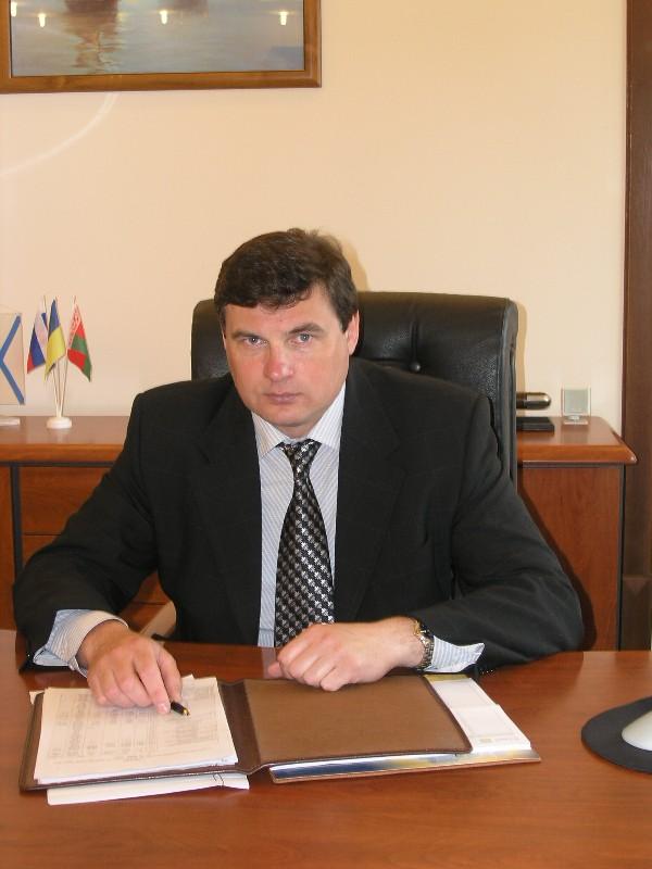 Корнюшко Юрий Юрьевич в офисе
